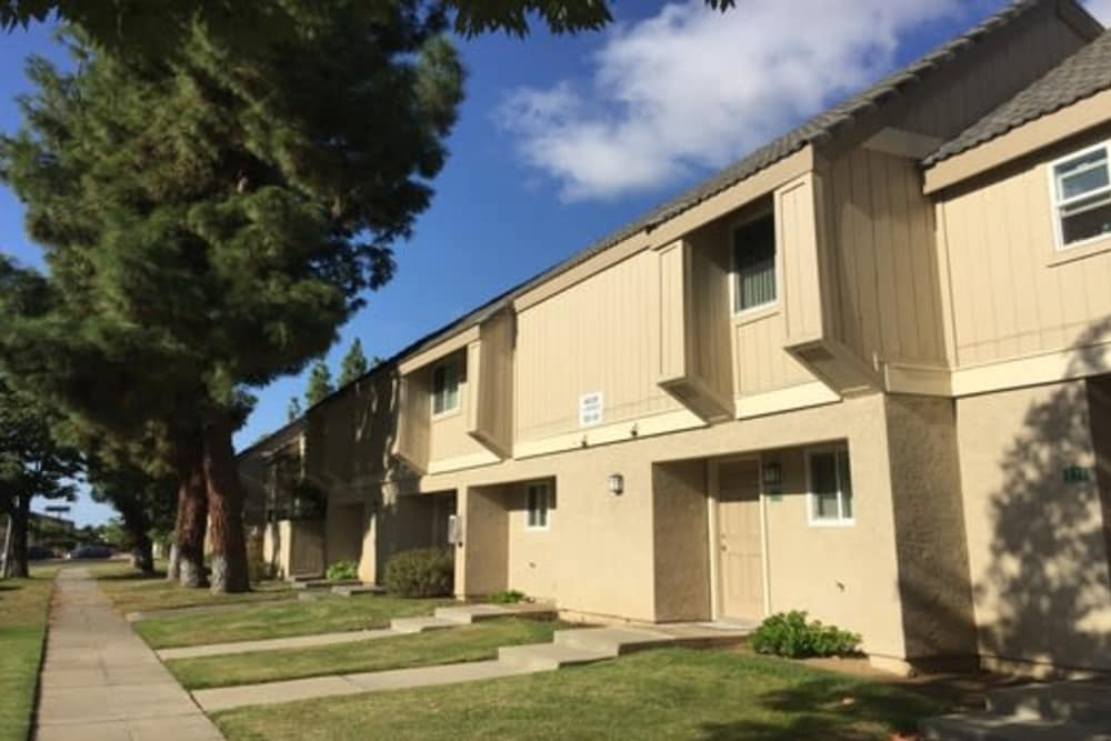 Outside of the apartments in Sunridge Townhomes at Fresno, California