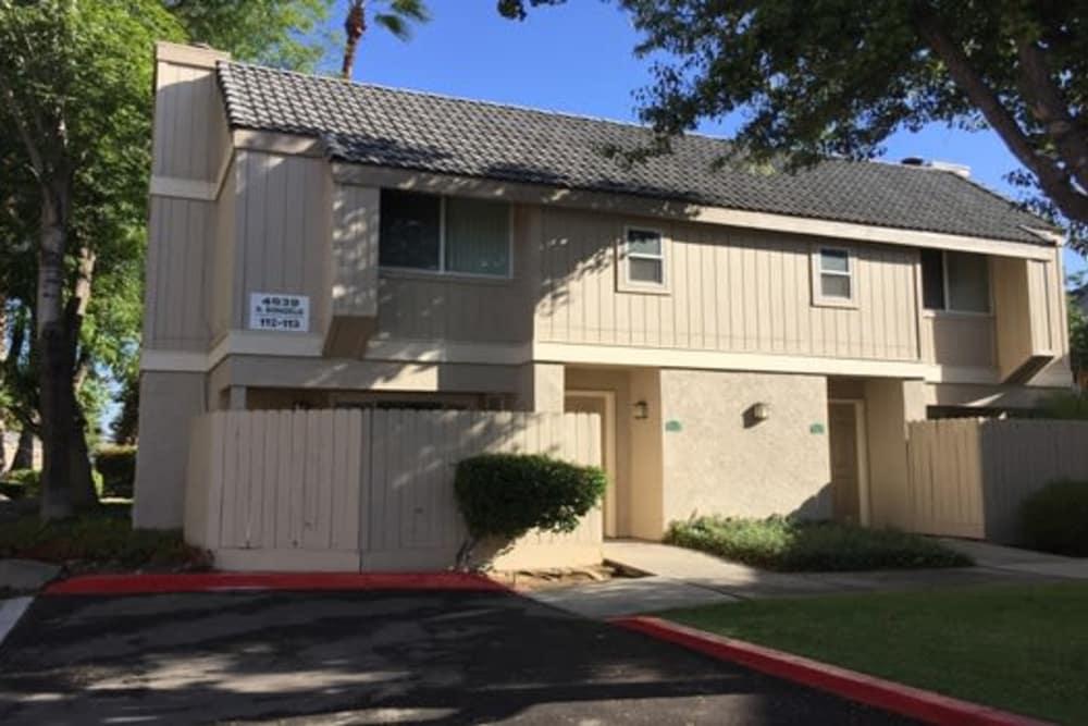 Exterior of apartment at Sunridge Townhomes at Fresno, California