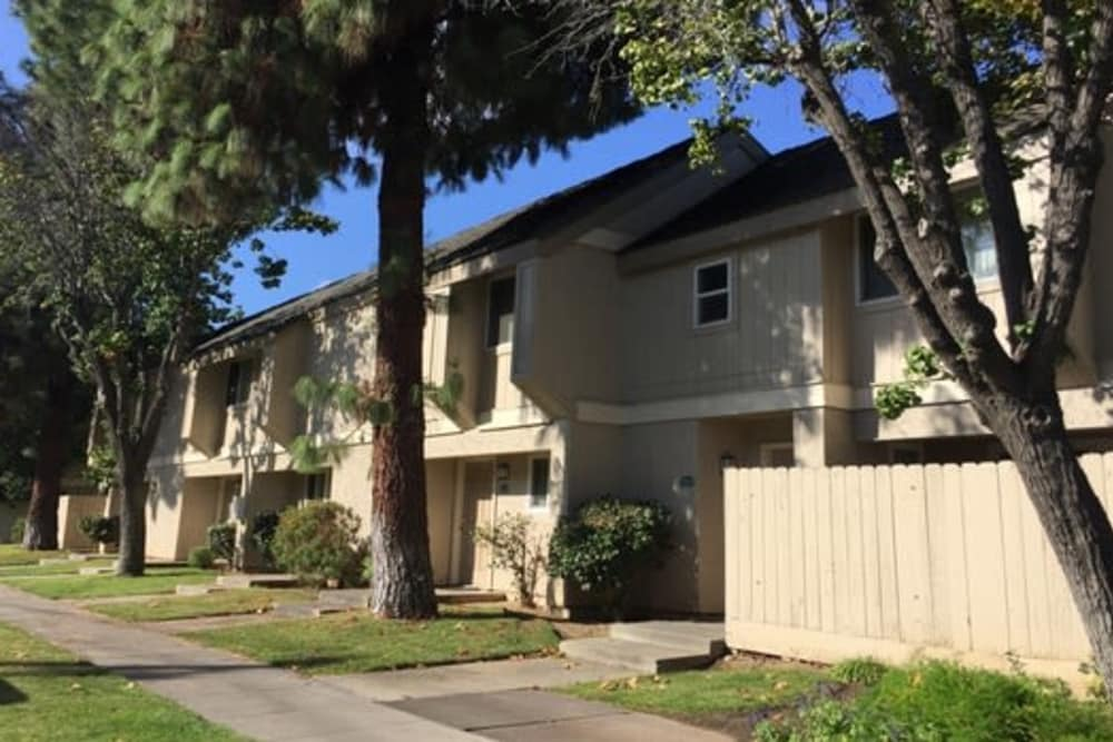 View of an apartment in Sunridge Townhomes at Fresno, California