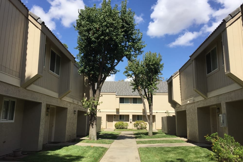 Exterior view of our apartments at Sunridge Townhomes in Fresno, CA