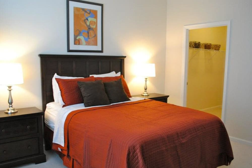 Orchard Meadows Apartment Homes offers a cozy bedroom in Ellicott City, Maryland