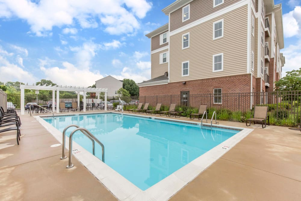 Luxury swimming pool at Orchard Meadows Apartment Homes in Ellicott City, Maryland