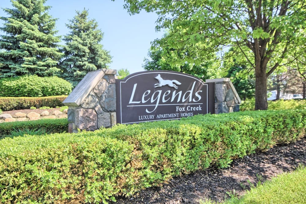 Legends Fox Creek sign in Clarkston, MI