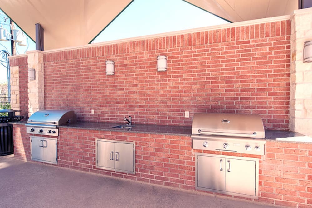 BBQ area view at Imperial Lofts in Sugar Land, Texas