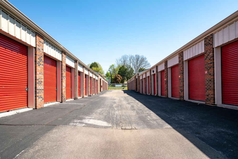 Exterior units at Metro Self Storage in Knoxville, TN