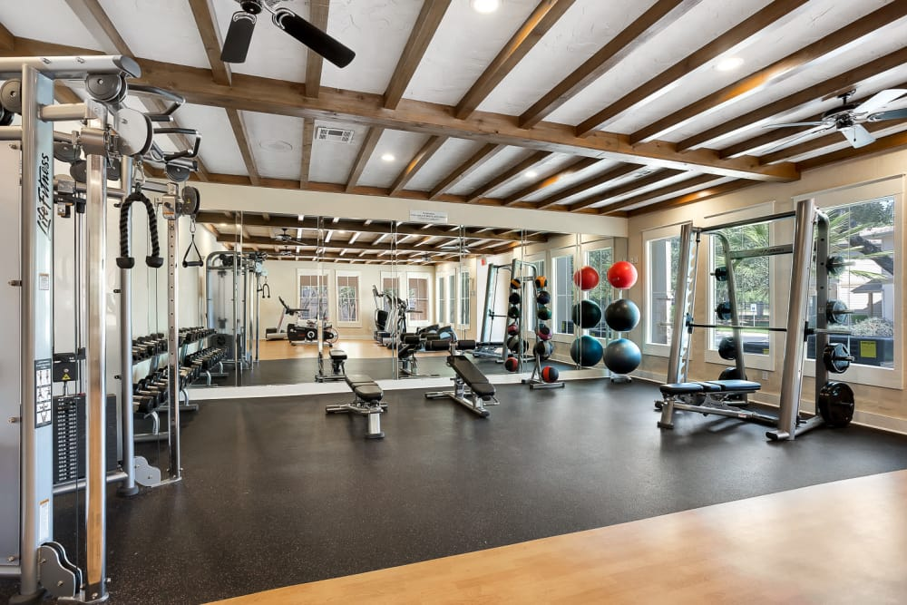 Well equipped fitness center at Sedona Ranch Apartments in San Antonio, Texas