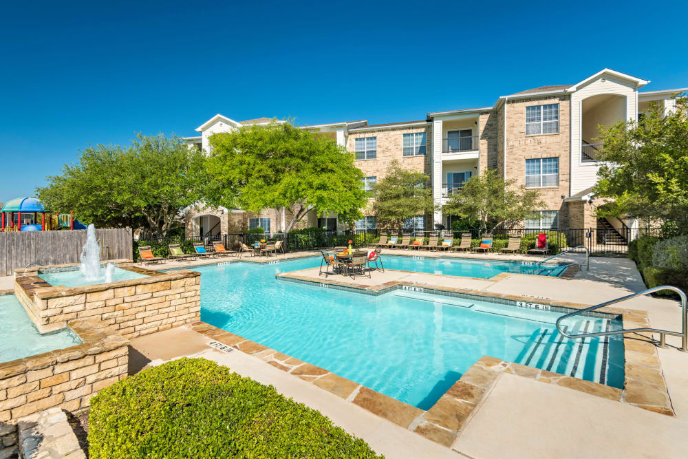 Stoneybrook Apartments & Townhomes in San Antonio, Texas showcase a unique swimming pool