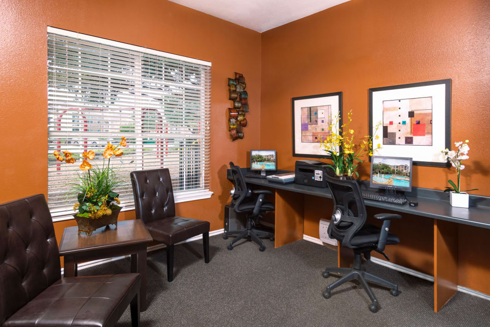 Business center at Stoneybrook Apartments & Townhomes in San Antonio, Texas