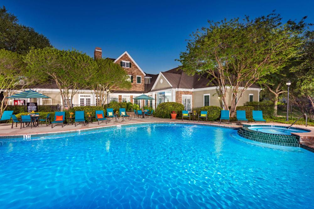 Swimming pool at The Lodge at Shavano Park in San Antonio, Texas