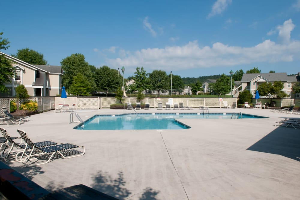 Enjoy a refreshing pool at Spring Meadow in Knoxville, Tennessee