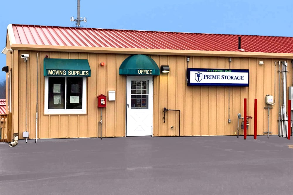 Merveilleux The Prime Storage Leasing Office In Dracut, Massachusetts