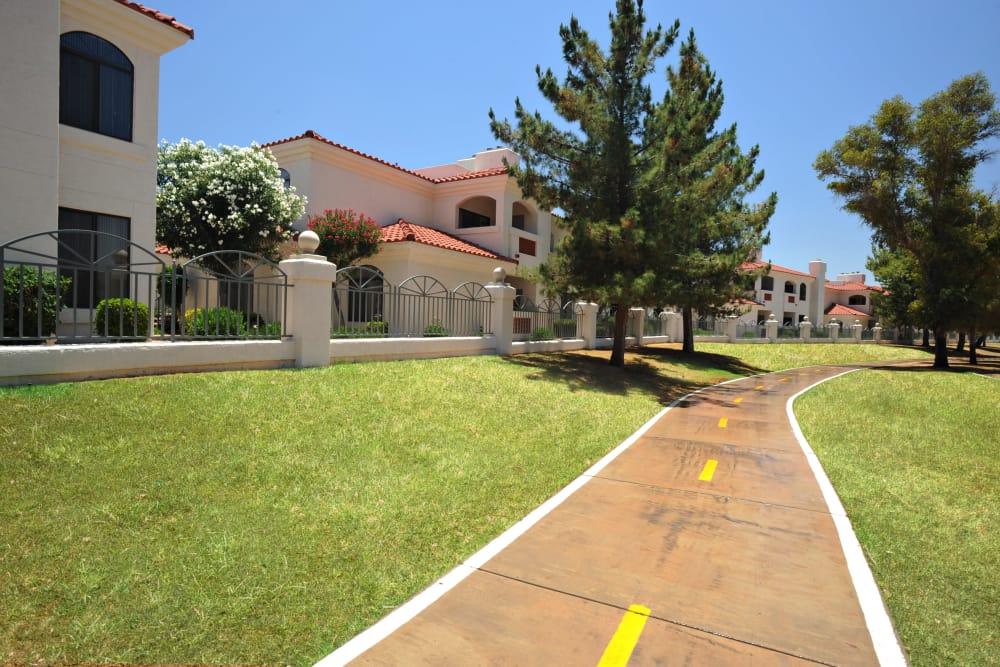 Bike path at San Antigua in McCormick Ranch in Scottsdale, Arizona