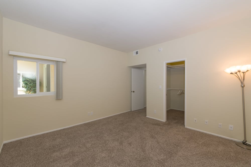 Plenty of room to furnish your new master bedroom at IMT Beverly Arnaz in Los Angeles, CA
