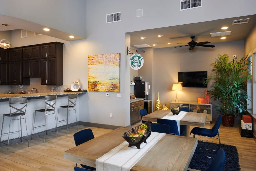 Lobby Dining and Kitchen Area