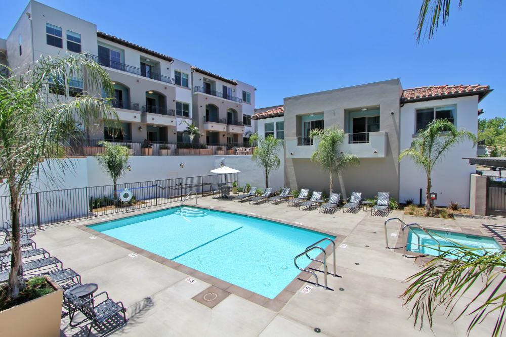 Beautiful swimming pool at IMT Magnolia in Sherman Oaks, CA