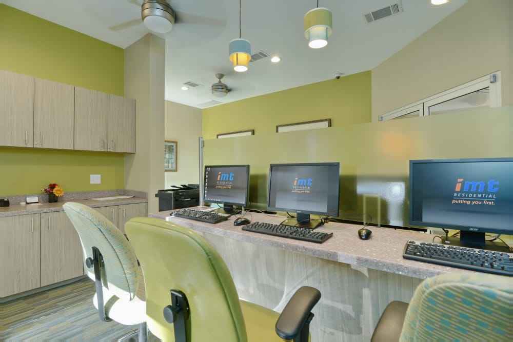 Business center and computers for resident use at IMT At The Medical Center in Houston, Texas