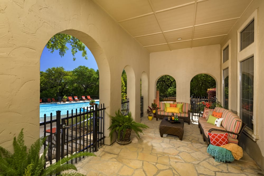 Beautiful patio covered at Villas of Vista Del Norte in San Antonio, Texas