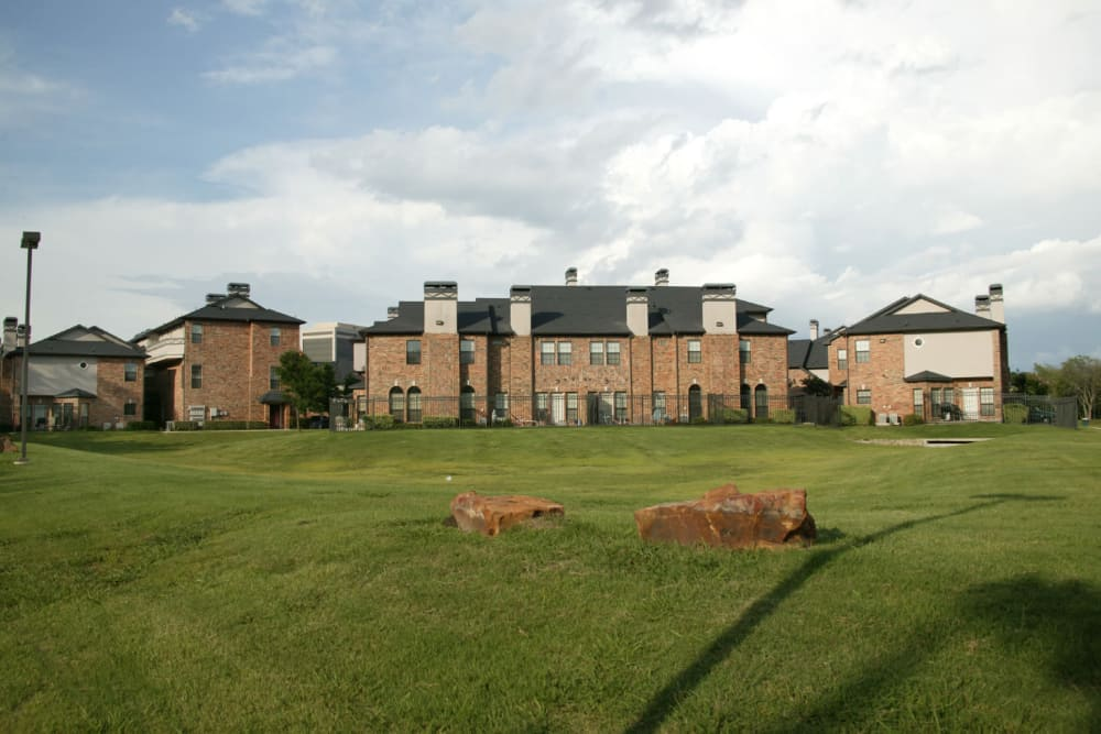 External view at Villas at Parkside in Farmers Branch, Texas