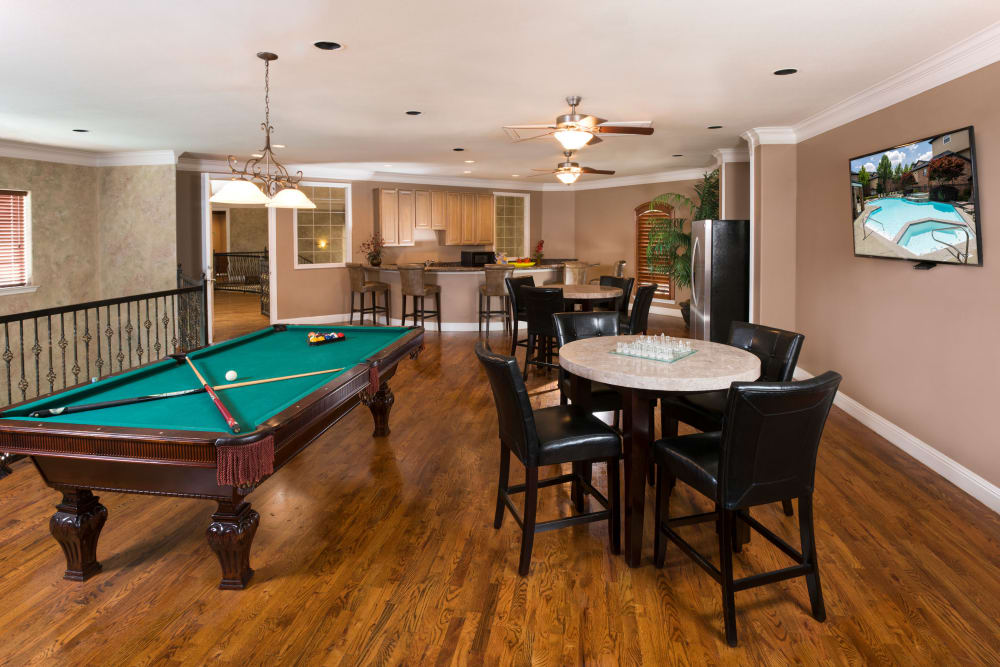 Spacious resident clubhouse at Villas at Parkside in Farmers Branch, Texas