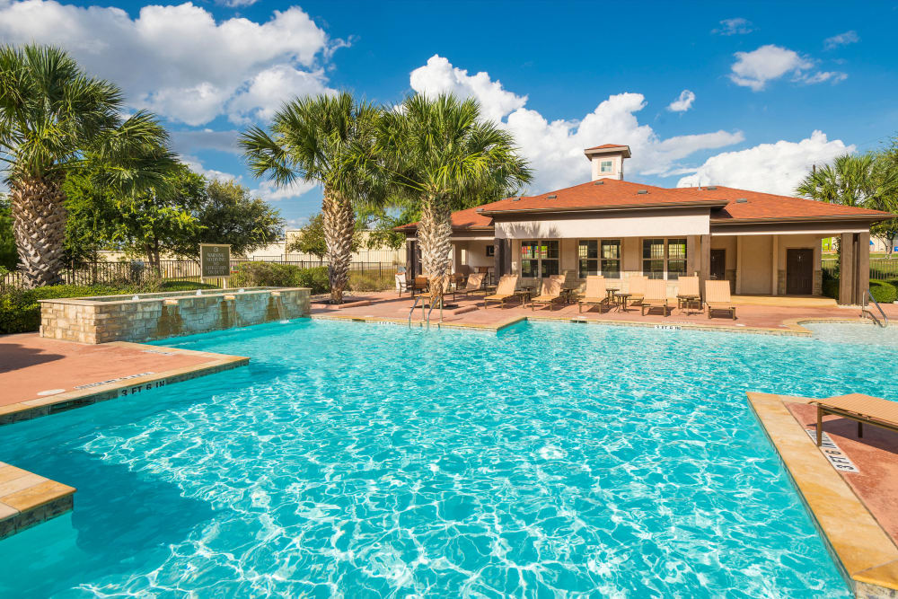Swimming pool at Villas at Medical Center in San Antonio, Texas