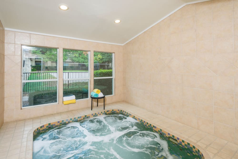 Relaxing Jacuzzi at Villas at Oakwell Farms in San Antonio, Texas