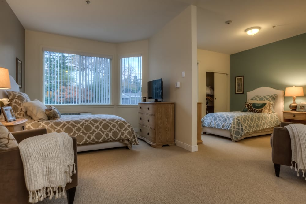 Shared bedroom at Regency Park in Portland, Oregon