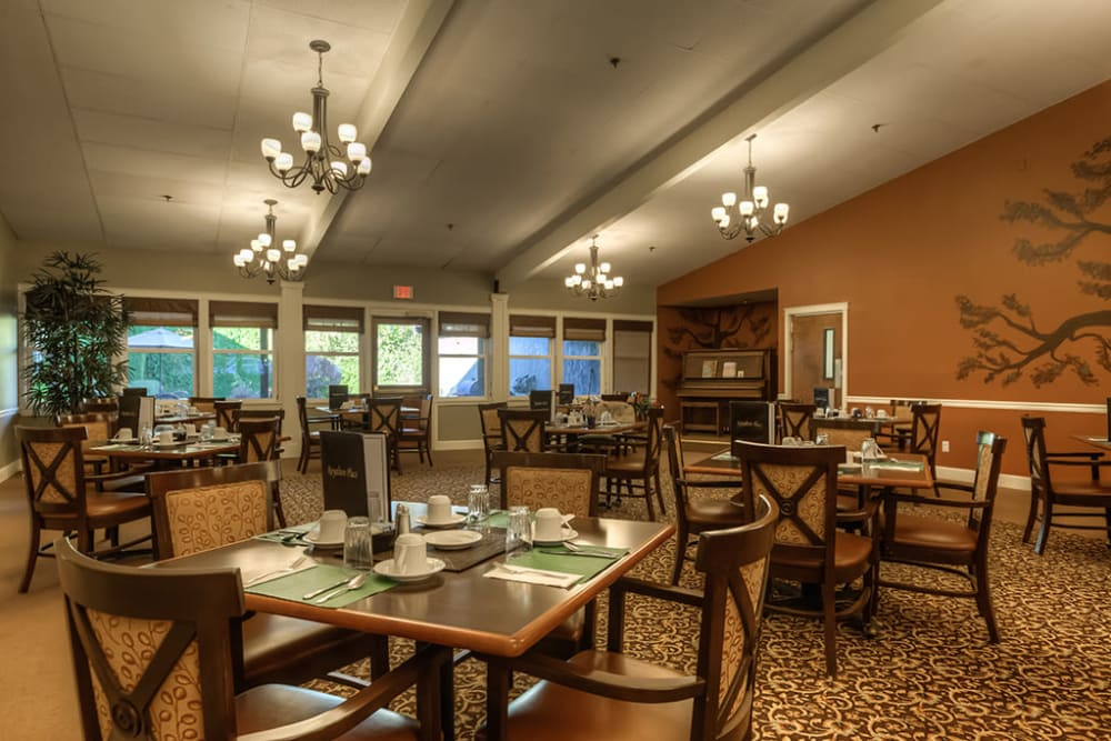 Dining hall at Royalton Place in Milwaukie, Oregon
