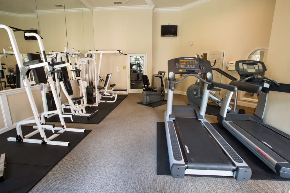 Fully equipped fitness center at Briargrove at Vail in Dallas, Texas