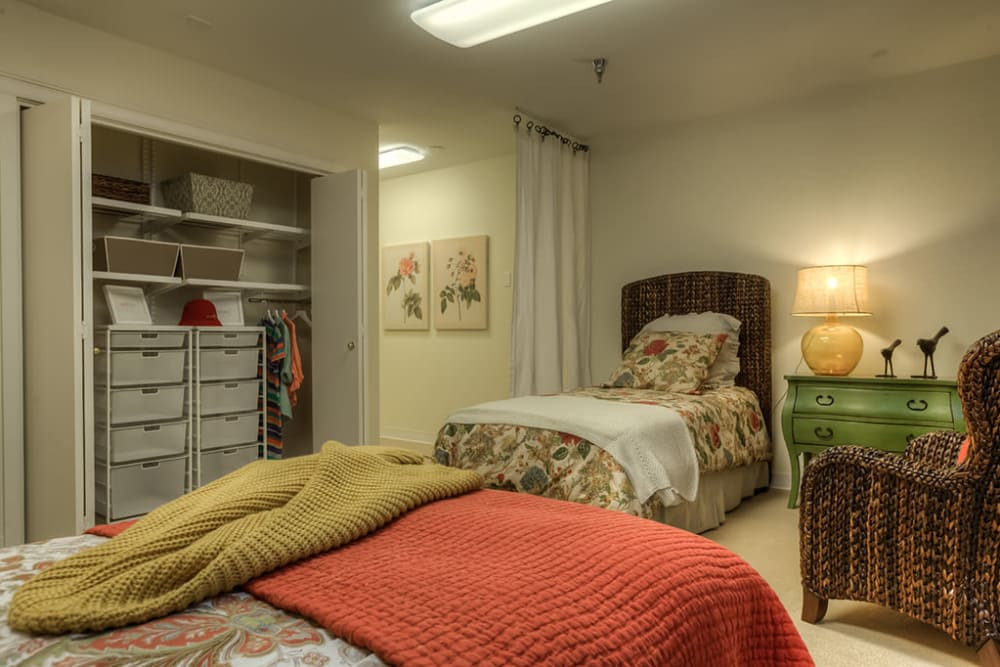 Shared bedroom at Royalton Place in Milwaukie, OR
