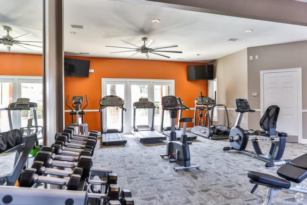 The Madison offers a luxury fitness center in Charlotte, North Carolina