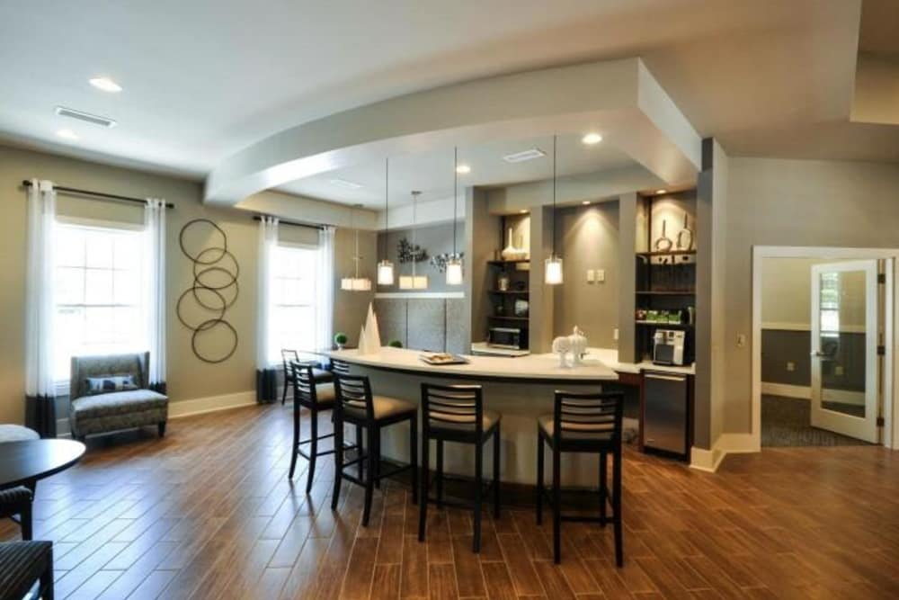 Luxury apartments with custom cabinetry in Summerville, South Carolina
