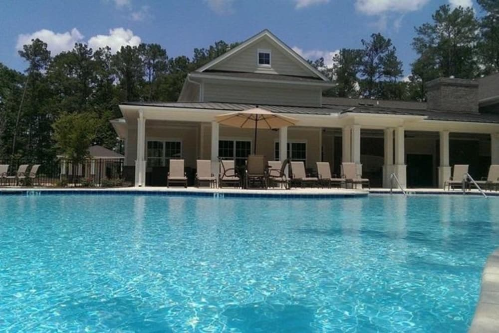 Arbor Village in Summerville, South Carolina showcase a swimming pool