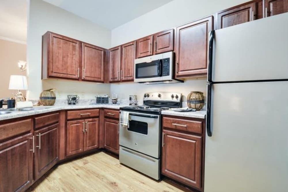 Arbor Village luxury apartments in Summerville, South Carolina showcase a kitchen