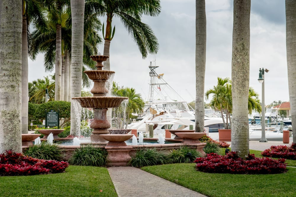 Beautiful fountain near The Sophia at Abacoa in Jupiter, Florida