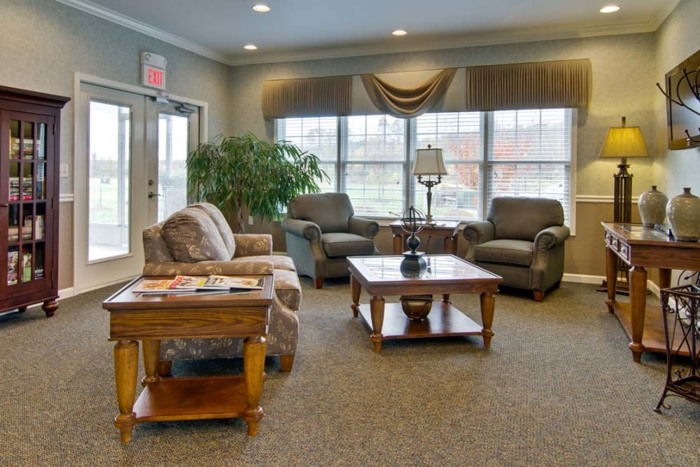 Enjoy a common room with friends at Monterey Village Senior Living senior living community in Lawrence, Kansas