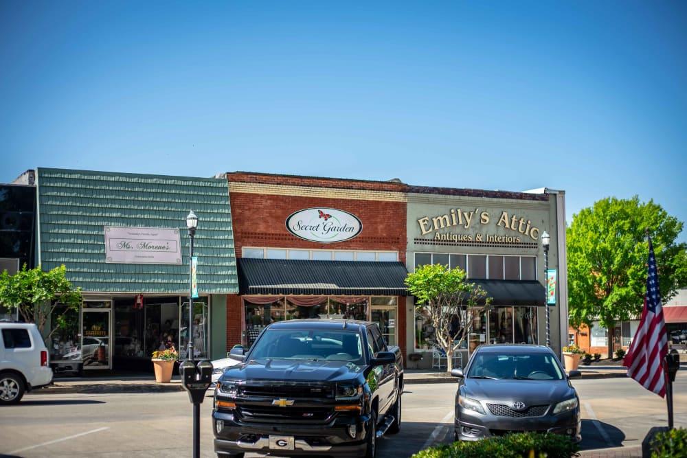 Variaty of restaurants near at Haddon Place in McDonough, Georgia