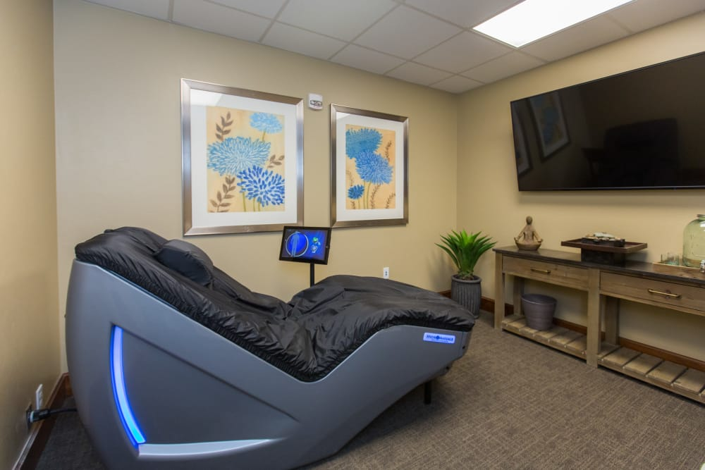 We;re proud to offer on-site hydro therapy at Sage Desert senior living.