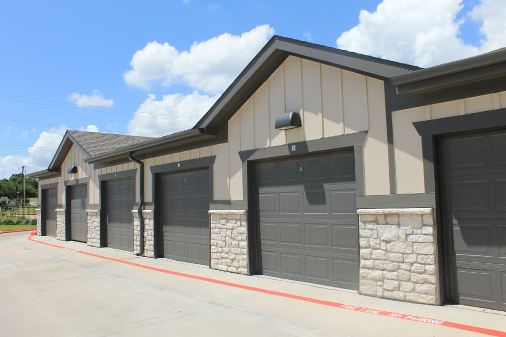 Garages at Springs at Sunfield