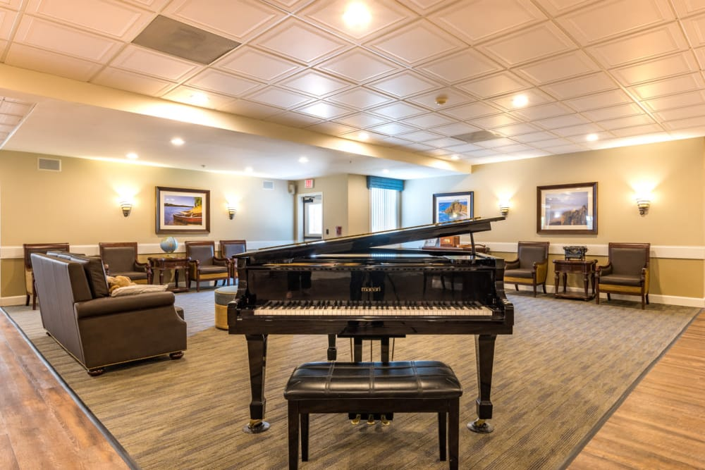 Pacifica Senior Living McMinnville Music and Recreation area.