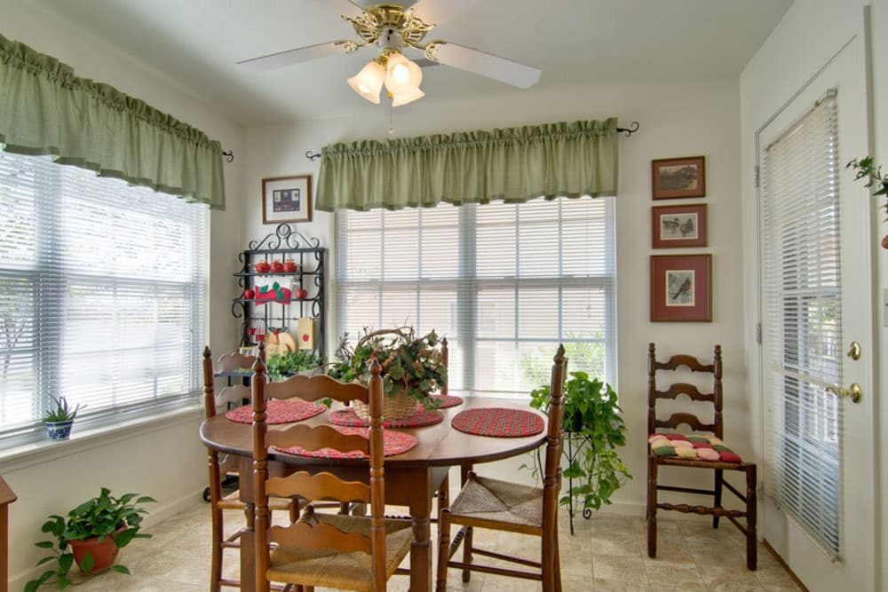 Beautiful dining room at Ravenwood Terrace Senior Living in Moberly, Missouri