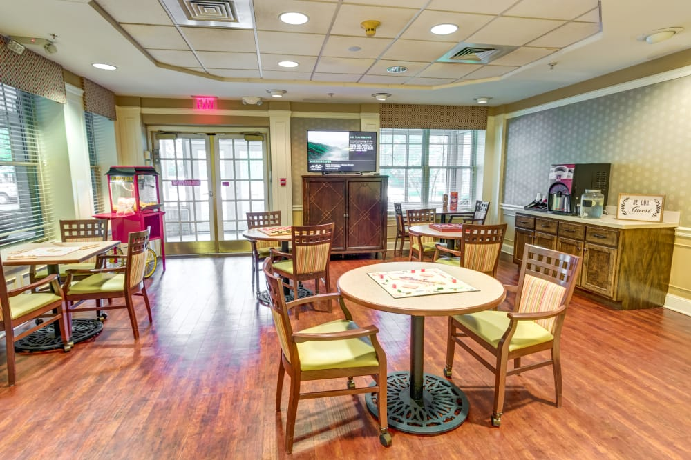 Enjoy chef-prepared meals at Regent Street Senior Living