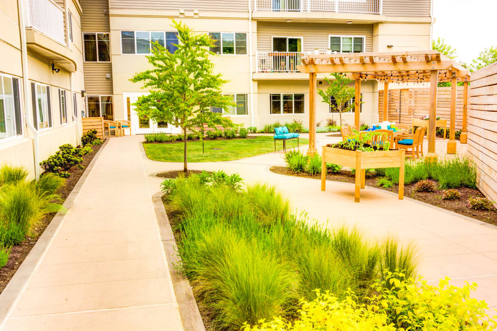 Courtyard at Harbour Pointe Senior Living