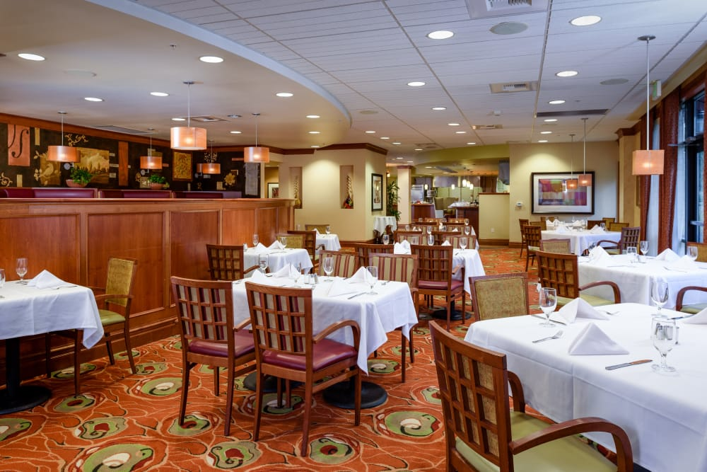 The Bellettini offers a dining area in Bellevue, Washington