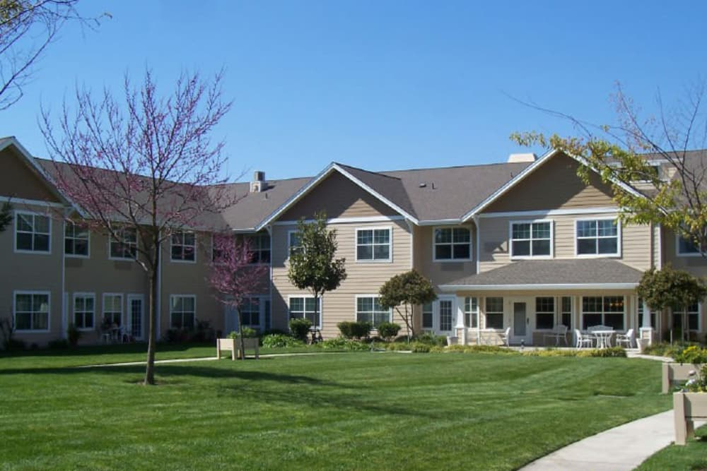 Exterior view of Dale Commons in Modesto, California