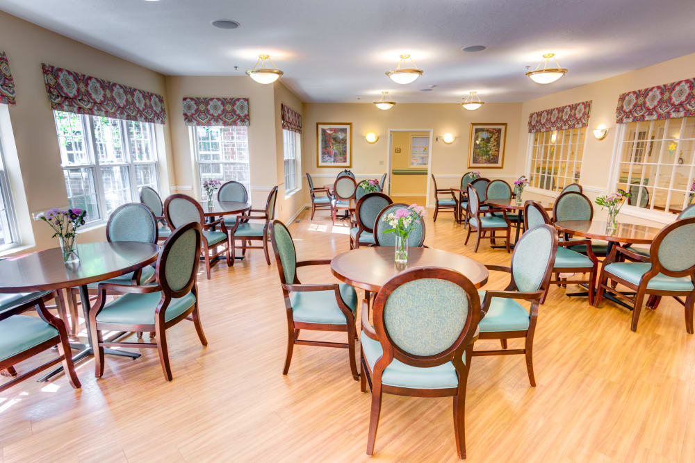 Community dining room at Symphony at Olmsted Falls in Olmsted Falls, Ohio