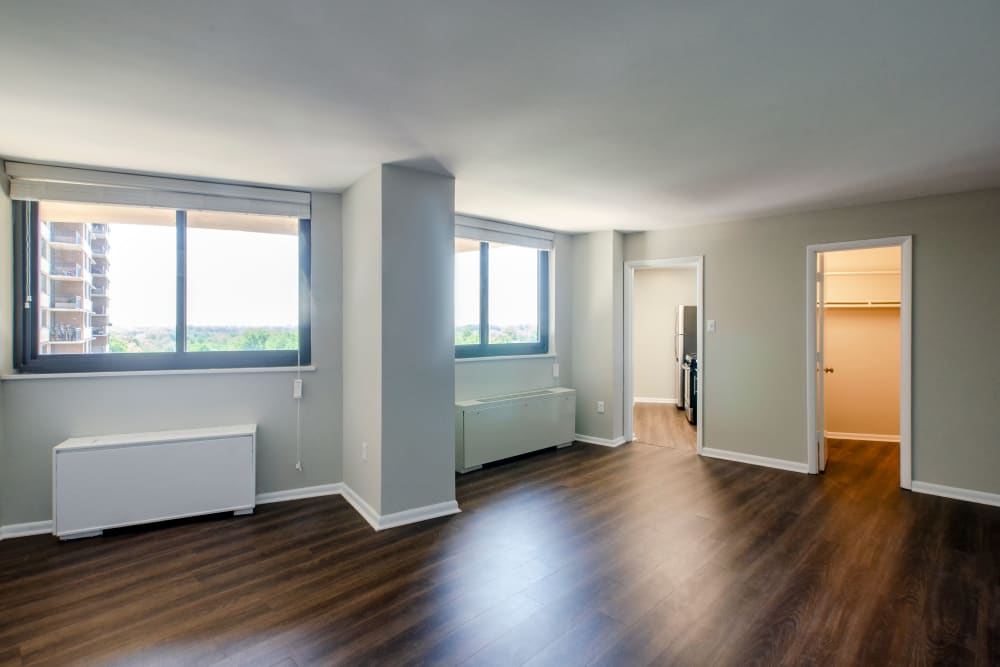 Hardwood floors at The Warwick Apartments