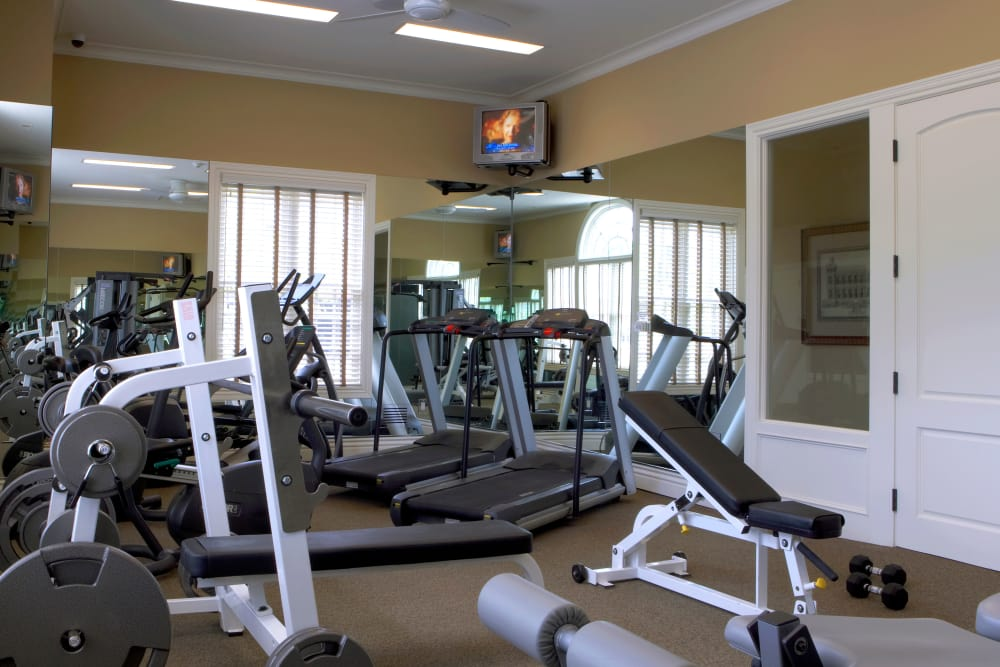 Fitness center at Legends Rosewood Village in Ypsilanti, MI