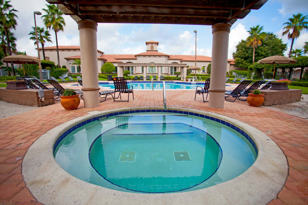 Hot tub and swimming pool at Legends Lake Mary in Lake Mary, FL