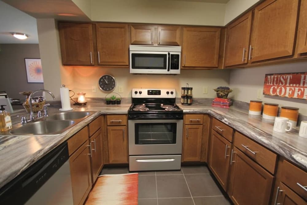 New appliances in the kitchen at The Icon at Lubbock in Lubbock, Texas