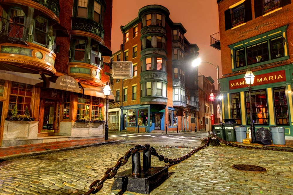 Cobblestone streets and retails shops near 244 Hanover Apartment Homes in Boston, MA